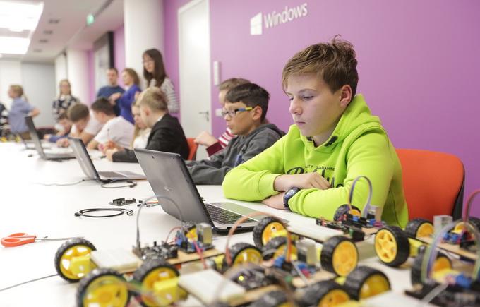 Майстер-клас для учнів середніх шкіл по роботі з ПЗ Windows 10 ІоТ та Azure ІоТ для Raspberry Pi 3 в рамках проекту «Школа SMART»