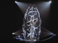 Танцуй как беспилотник — зачем норвежской певице дроны
