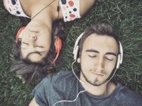 14 подкастів для романтичних вихідних