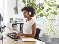 Музыка, офисный гам или полная тишина — что поможет сконцентрироваться