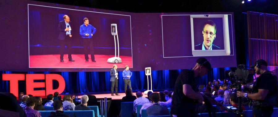Сноуден выступает на TEDx