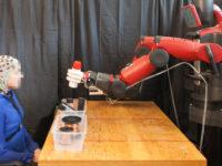 Як в MIT навчили робота виправляти власні помилки