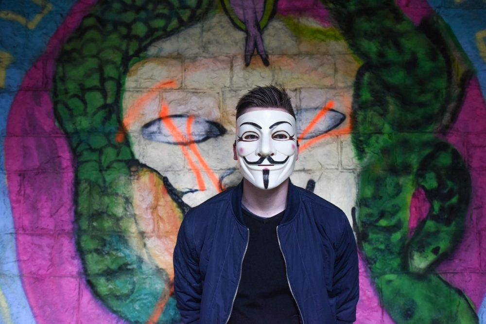 anonymous-1334775_1280