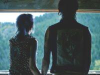 Дослідження: як соцмережі впливають на справжню близькість