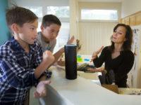 Слухач у домі — як безпечно користуватися Amazon Echo та Google Home