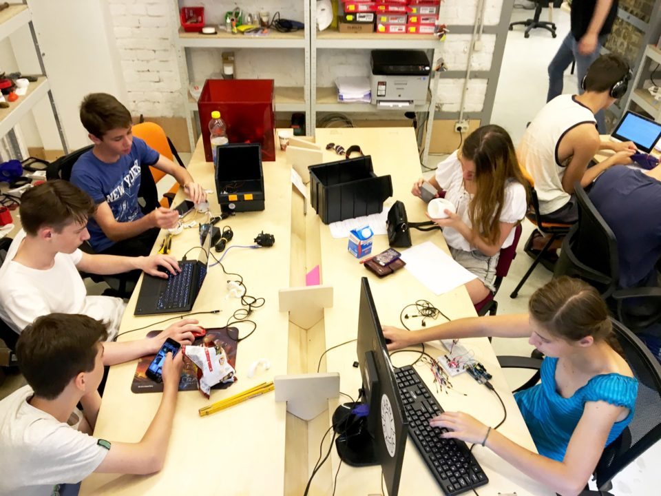 Процес розробки Smart Lunch в FabLab Fabricator