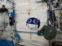 Японці ведуть пряму трансляцію з МКС через дрон, що керується з Землі