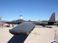 «Земля-Повітря»: як електромобіль Tesla допомагає посадити літак Lockheed U-2S