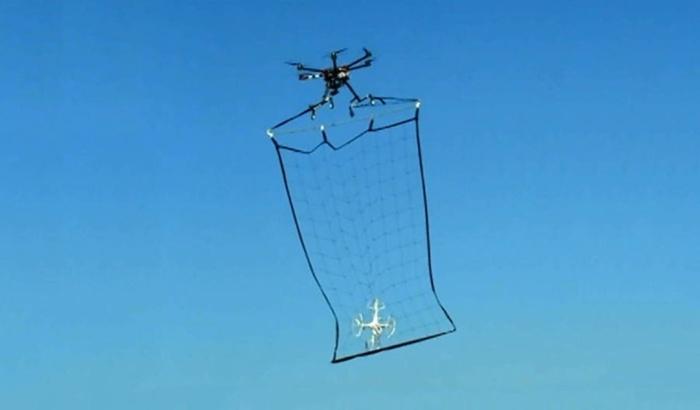 drone-catching-net-640x375