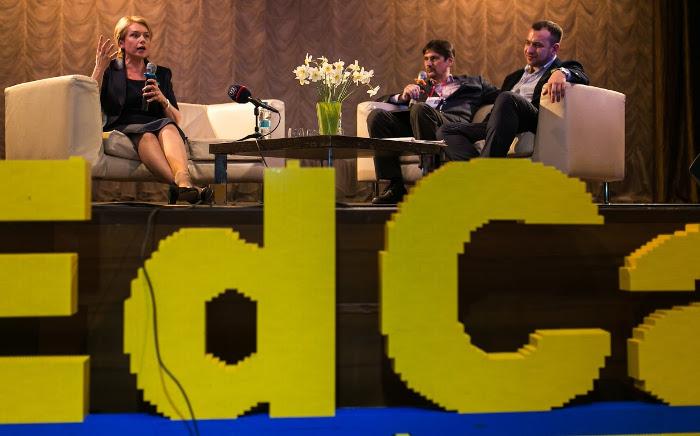 Лілія Гриневич відповідає на запитання під час (не)конференції EdCamp, 2017 р.