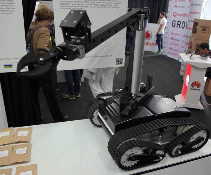 Robot_Saper700
