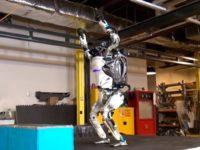 Залізний гімнаст — робот Atlas демонструє вдале приземлення після сальто