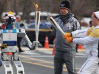 Робот HUBO став одним із учасників подорожі олімпійського вогню у Південній Кореї