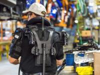 Як на заводі Ford випробовують нове покоління екзоскелетів