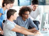 Криза вищої освіти — бізнес самостійно навчає випускників, яких потребує