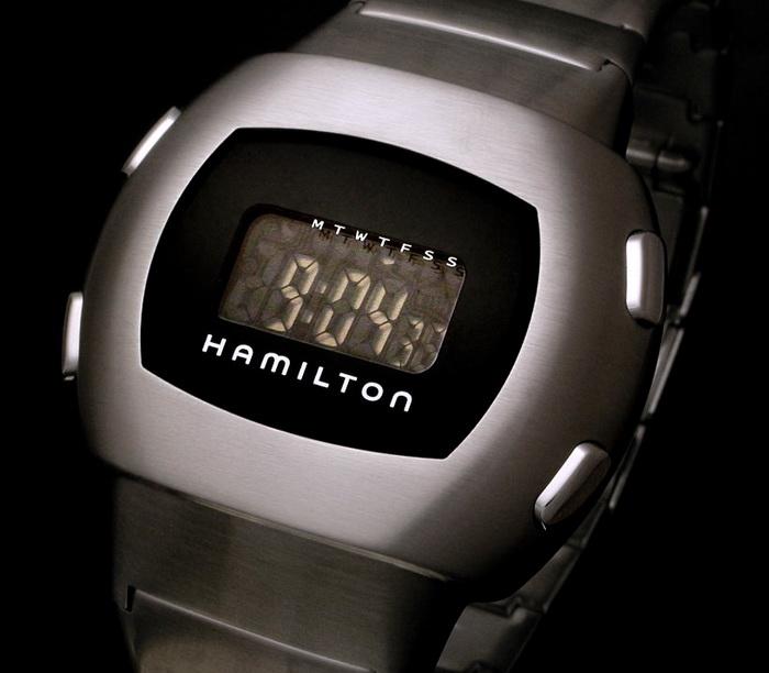 Цей цифровий годинник колись коштував $12 тис. Сьогодні він цікавий хіба що хіпстерам. Сучасні смарт-годинники коштують набагато дешевше, але хтозна, чи буде комусь потрібний Apple Watch всього через 10 років