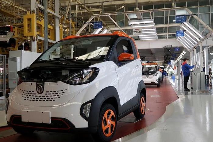 Китаю належить близько 40% глобального ринку електромобілів. Фото: REUTERS
