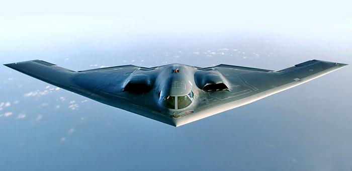 Сучасний Northrop B-2 Spirit, виконаний за схемою «літаюче крило». Чи не правда, цей бомбардувальник вельми нагадує Horten Ho 229?