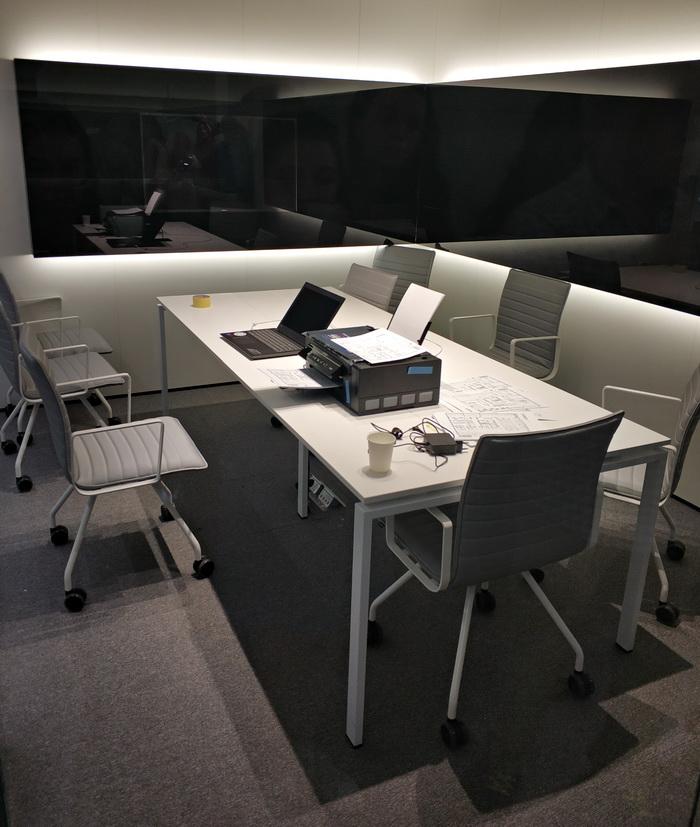 Кімната для відеоконференцій та Skype-перемовин