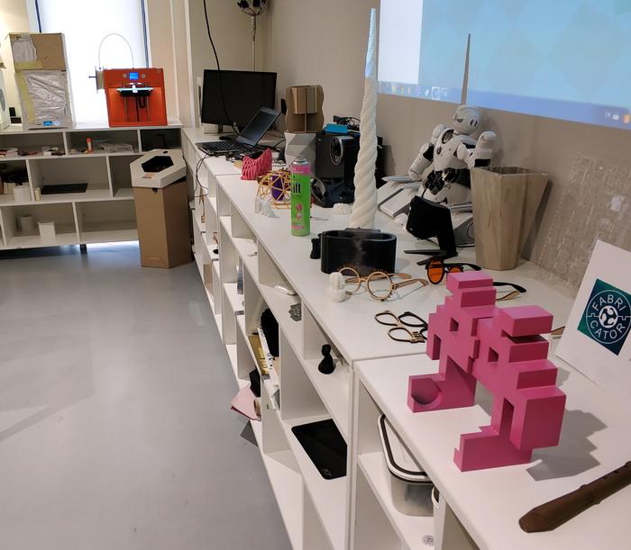 Наявність в UNIT.City лабораторії адитивних технологій дозволяє швидко створювати прототипи для пристроїв