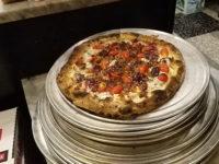 Піца з креветками та солодким джемом — креатив від штучного інтелекту