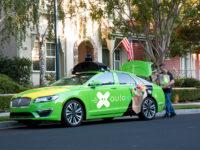 Стартап по доставленню продуктів харчування на безпілотних авто AutoX
