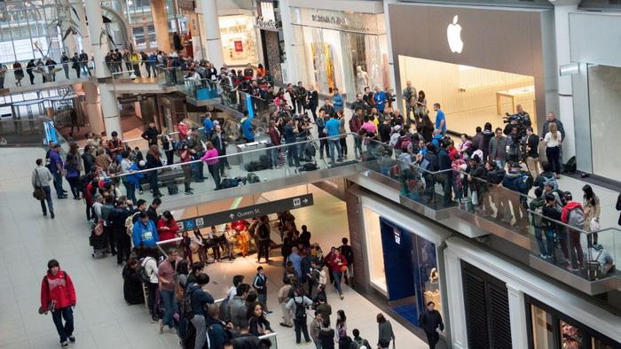 Сьогодні нікого не дивують такі величезні черги, коли виходить черговий новий iPhone