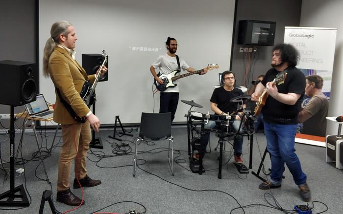 В створенні продукту Pro Tools брали участі професійні українські музиканти та звукорежисери