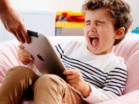 Наскільки шкідливі гаджети для дітей?