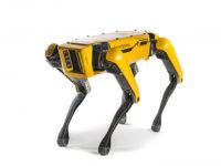 Зграя робособак від Boston Dynamics буксирує вантажівку. Відео