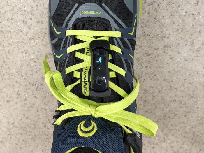 В режимі «на нозі» вимикаються будь-які функції, окрім моніторингу кроків