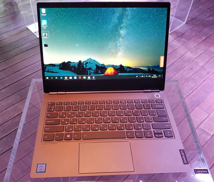 Lenovo ThinkBook 13s відрізняється стильним дизайном