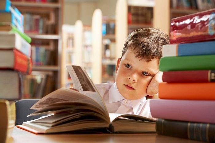 Як за рік прочитати сотню книг? Дієві поради від експерта по продуктивності