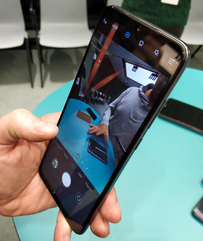Великий дисплей та привабливий дизайн – це те, на що роблять ставку інженери Xiaomi
