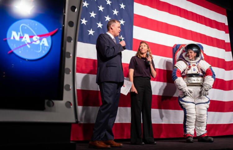 Новий скафандр для астронавтів програми «Артеміда»