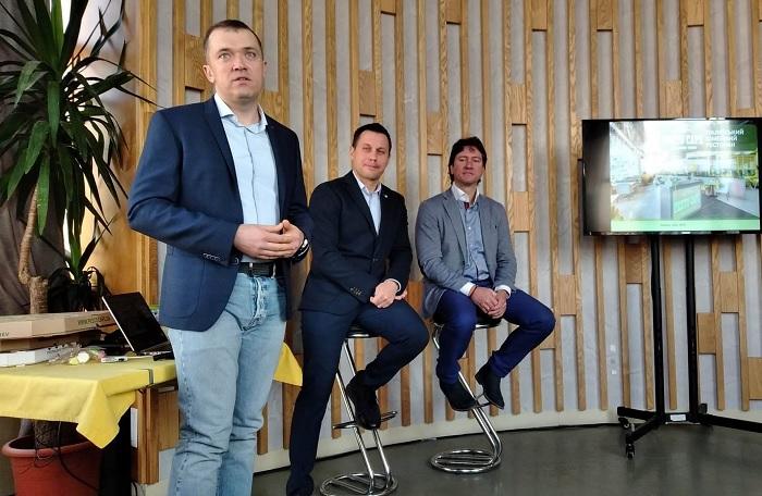 Ігор Ковальов: «Ми хочемо допомогти якомога більшій кількості ресторанів відкрити свої віртуальні двері і розкрити цінність їх бізнесу за допомогою доставки їжі. Саме тому ми пропонуємо нашу технологію для всіх ресторанів, які хочуть розвивати свій бізнес з Uber Eats»