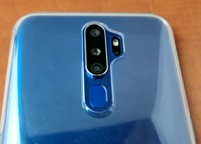 Система quad-камер на задній панелі та сканер відбитків пальців