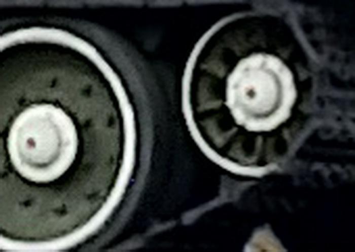 Для прикладу: кроп фотографії, аналогічної зображенню з п`ятикратним зумом, яка отримана шляхом простого збільшення фрагменту базового фото 12 МП 1x zoom. Дуже добре помітна пікселізація та низька якість зображення