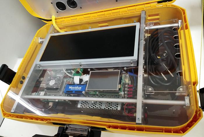 Демонстраційн пристрій, що дозволяє показати переваги використання віртуальних систем в автомобільному обладнанні