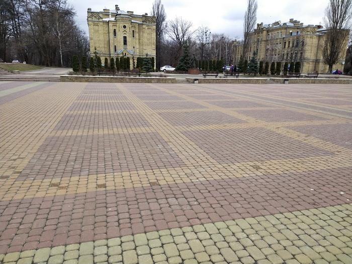 Знімки площі без кольорового фільтру (нагорі) та з застосуванням фільтру (внизу)